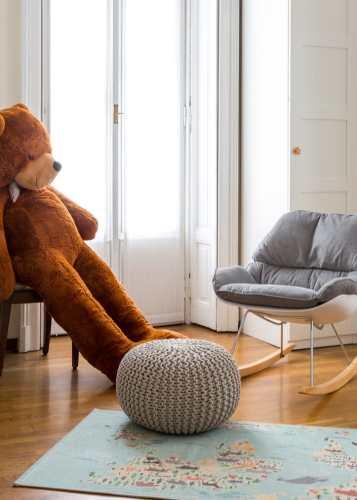 sedia-dondolo-design-gravidanza-preparitivi-cosa-serve-cameretta-dalani-baby-culla- riorganizzare spazi
