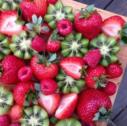 dior-hydra-life-linea-naturale-ecosostenibile pack- novtià-primavera-idratare-crema giovani -frutta