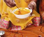 Haldi Ceremony sposa-dettagli-matrimonio-mask-aveda-bellezza-sposa-preparatiivi-beauty
