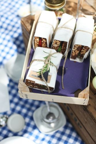 pic-nic-chic-ventee-prive-come-organizzare-cosa preparare- coperta- panini