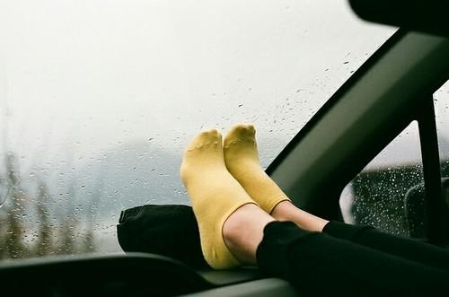 gocce-pioggia-estate-finestra-amare-fermarsi