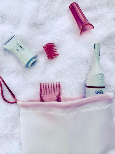 beauty-case-valigia-cosa-portare-vacanza-trucchi-creme-segreti-bellezza the good stuff veet sopracciglia - Copia