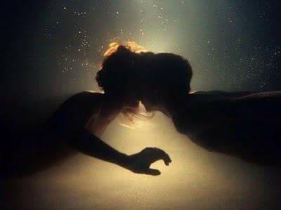 international-kissing-day-6-luglio-july-baci-straziami-rossetti-balsamo-lucidalabbra-amici-amore-passione-sephora italia (11)