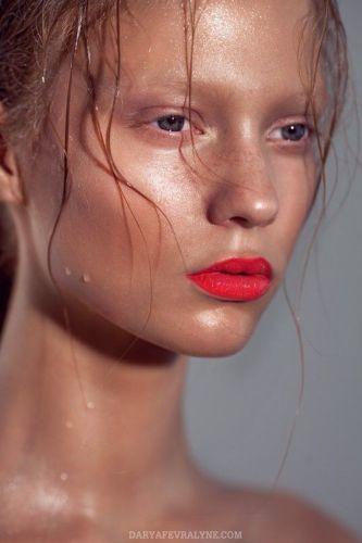 effetto-matte-idrazione-crenma-la-mer-moisturizing-matte-lotion-viso-lucido - sudato