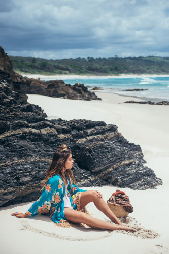 hippie-stile-come-vestirsi-spiaggia-liberta-vacanza- vestiti onde