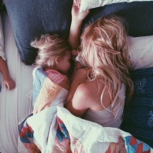 diventare-mattineri-alzarsi-presto-dormire-bambino-letto presto mum baby