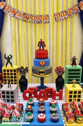 festa-compleanno-bambini-figlio-come-organizzare-cosa-fare-decorazioni- super eroi 2