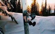 voglia-di-neve-snowboard-sci-aria-frizzante-nevicate profumo giacca tavola