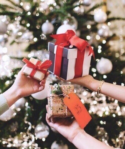 cose-rendono- felice- stati- animo- shopping-therapy- black- friday- regali natale pacchetti