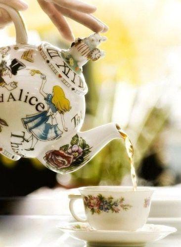 tea-time-te-natale-damman-freresits tea time alice