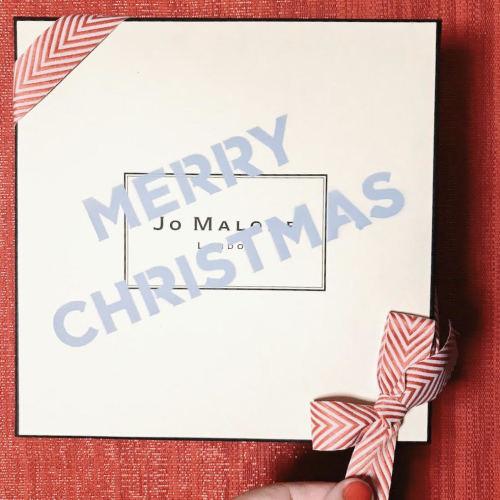 crazy-colorful-christmas-jo-malone-natale-edizione-limitata-2017-idee regalo-rosa- pacchetto scatola