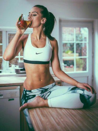 workout yoga gym mattina iniziare piede giusto