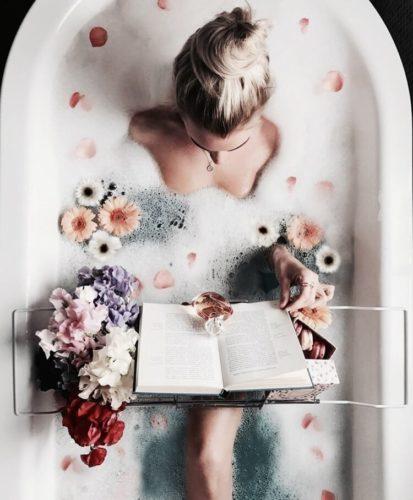 fiori - bagno- relax- leggere