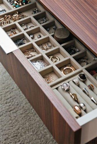 vassoio- velluto- organizzare- ordinare