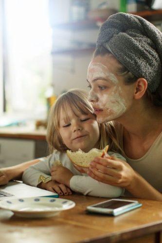 auto promuovere mettere evidenza mamma multitasking