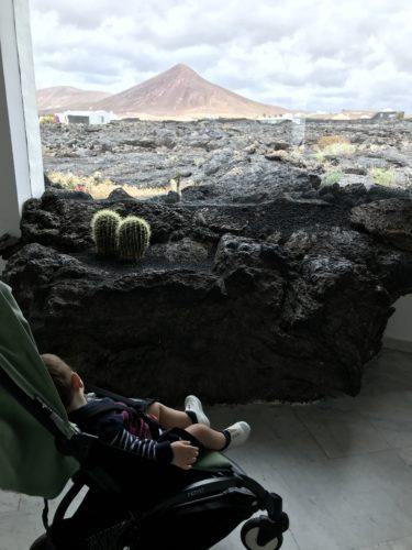 Lanzarote-viaggio- bambino - passeggino