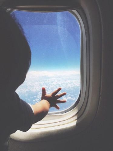 cosa portare aereo bambini neonati primo viaggio