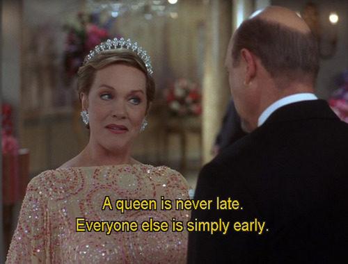 galateo ritardo ritardatari buone maniere come comportarsi bon ton queen