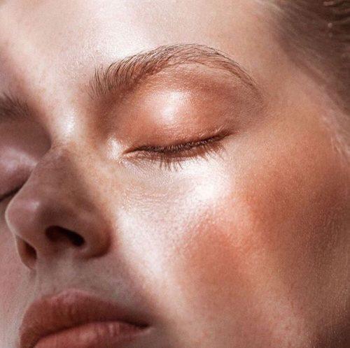 luce-viso-illuminante- Stylo Lumière Sisley Paris- correttore