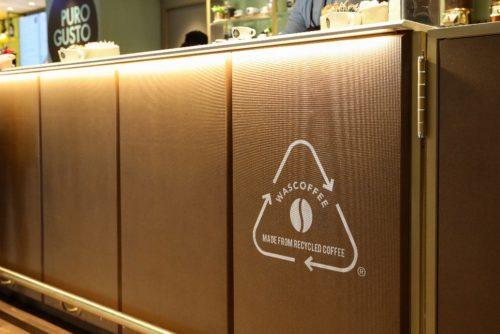 wascoffee- riciclo- economia circolare - fondi caffè - autogrill bancone