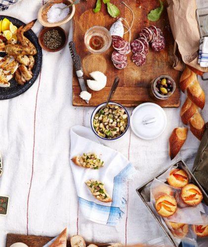 tavola improvvisata - cosa avere sempre in casa