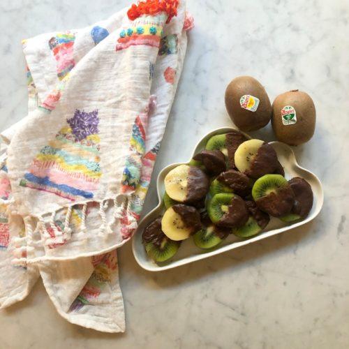 kiwi-merenda-facile- veloce- sana-benessere-bambini-cioccolato fondente